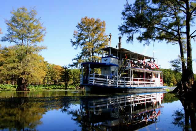 The Graceful Ghost steamboat on tour in Caddo Lake