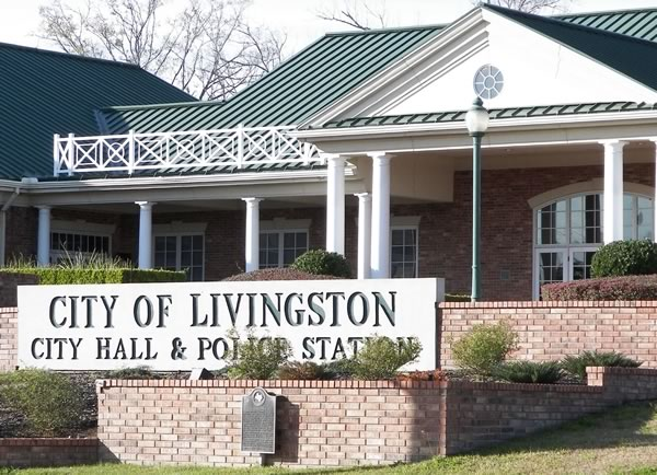 City Hall in Livingston, Texas