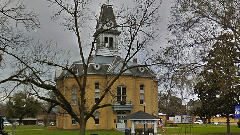 Newton County courthouse in Deep East Texas