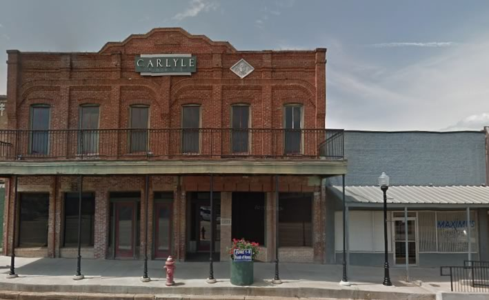 Street scene in downtown Troup, Texas